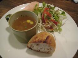 パスタプレート(サラダ、スープ、パン)