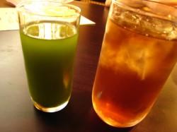 やきとり とり膳 青汁と麦茶