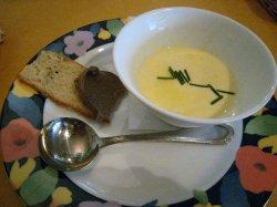 とうもろこしの冷静スープとレバーのペースト