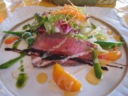 前菜 ローストビーフのサラダ